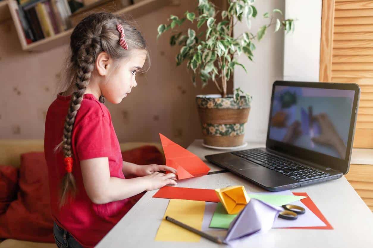 niños pasatiempos creativos