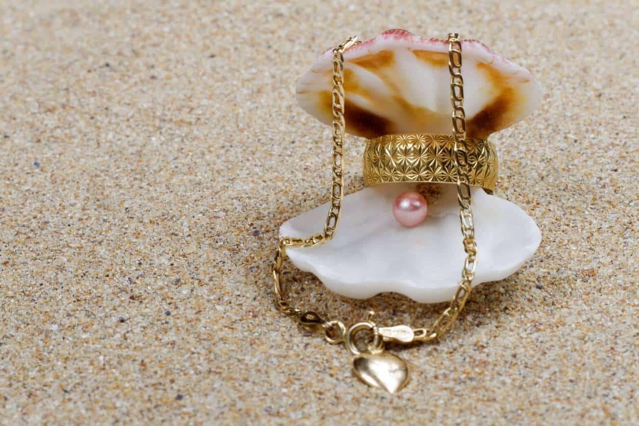 joyas de concha de oro